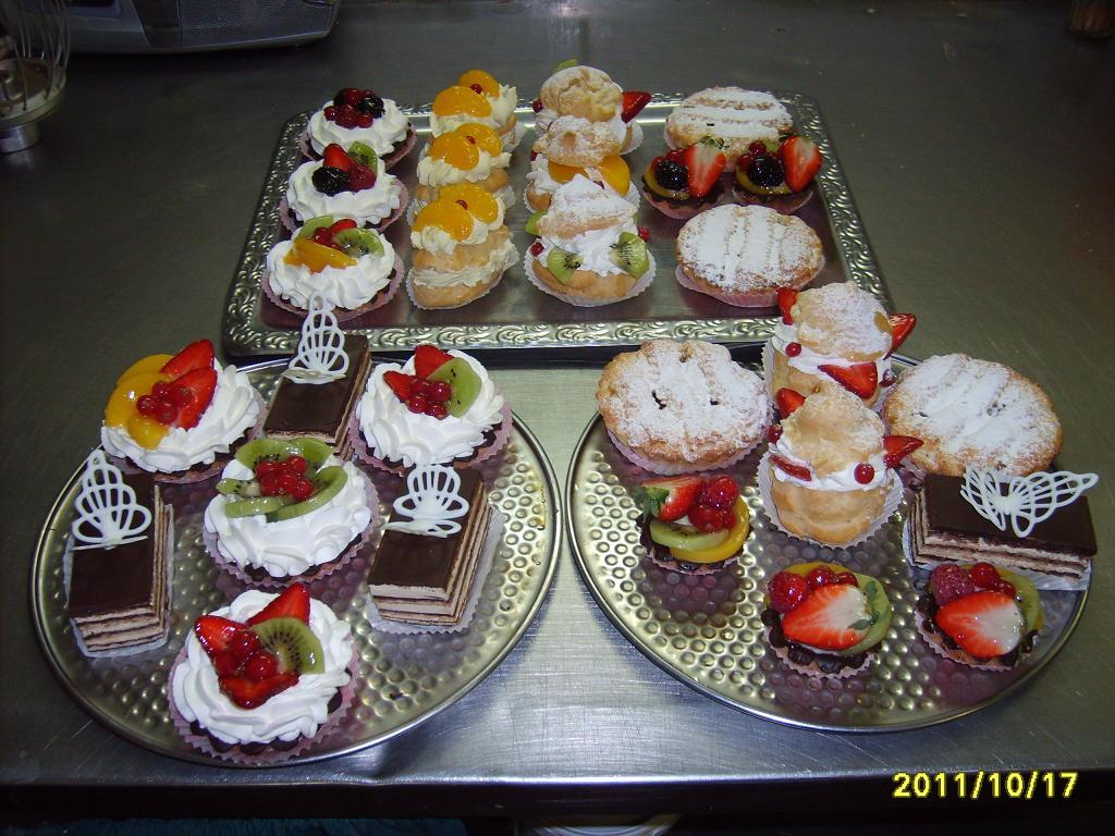 фото производство пирожных тортов и